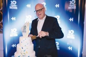 "Rainer Hundsdörfer, CEO de Heidelberg, celebró el décimo aniversario de la marca ""Saphira""."