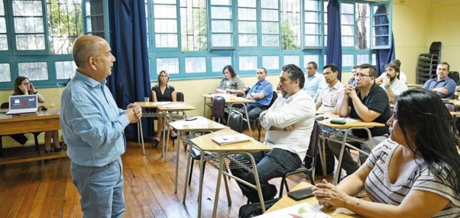 La Escuela de la Industria Gráfica organiza reunión para maestros guías del modelo Dual