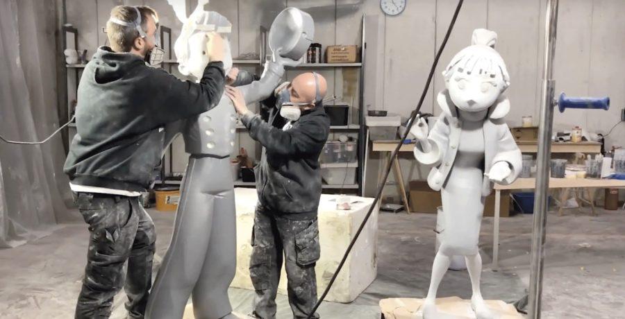 Métropole adorna uma estação de trem com personagens de quadrinhos em 3D